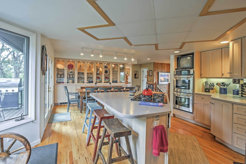Private Kitchen, Private Steamboat Springs Home W/hot Tub+mtn Views