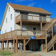 Kitty Hawk Home With Ocean Views From the Deck! Pool, Hot Tub and Beach Access Across the Street