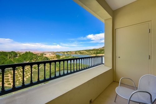 Lake View Lake Las Vegas Studio Condo