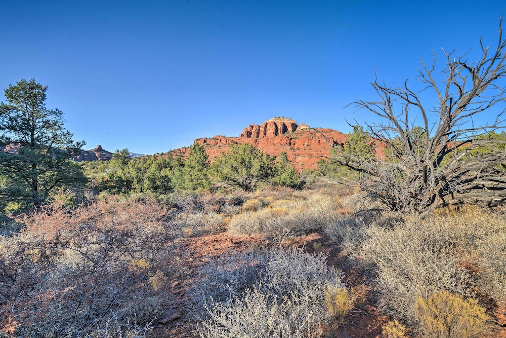 Exterior, 2-acre Sedona Casita w/ Deck & Red Rock Views!