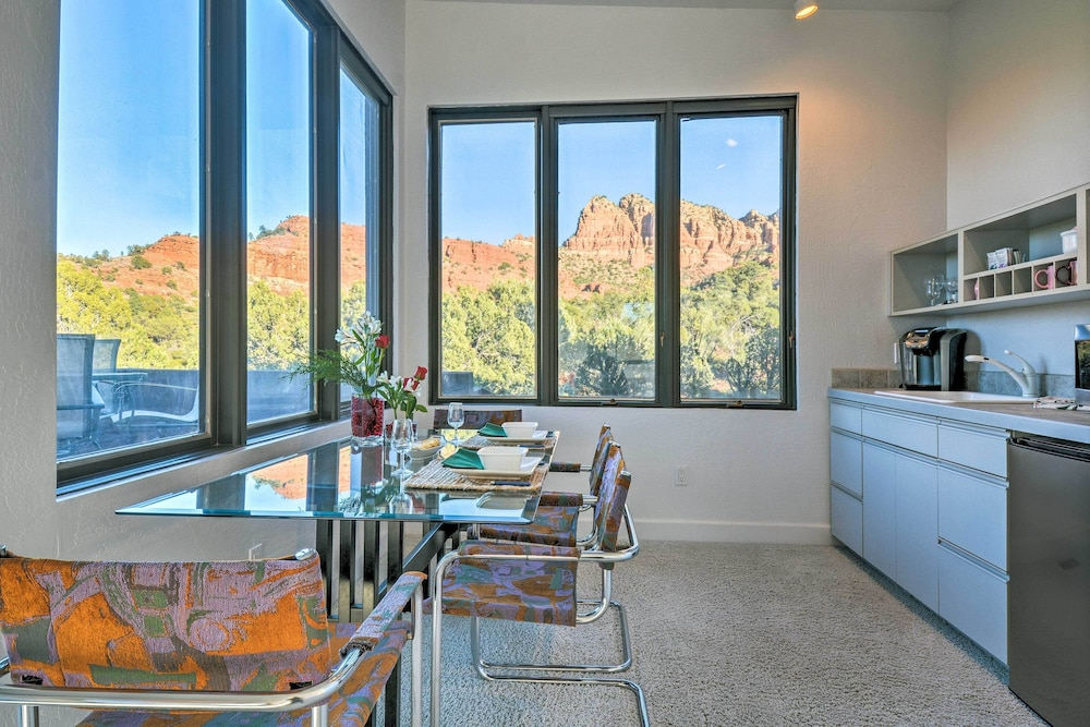 Private Kitchen, 2-acre Sedona Casita w/ Deck & Red Rock Views!