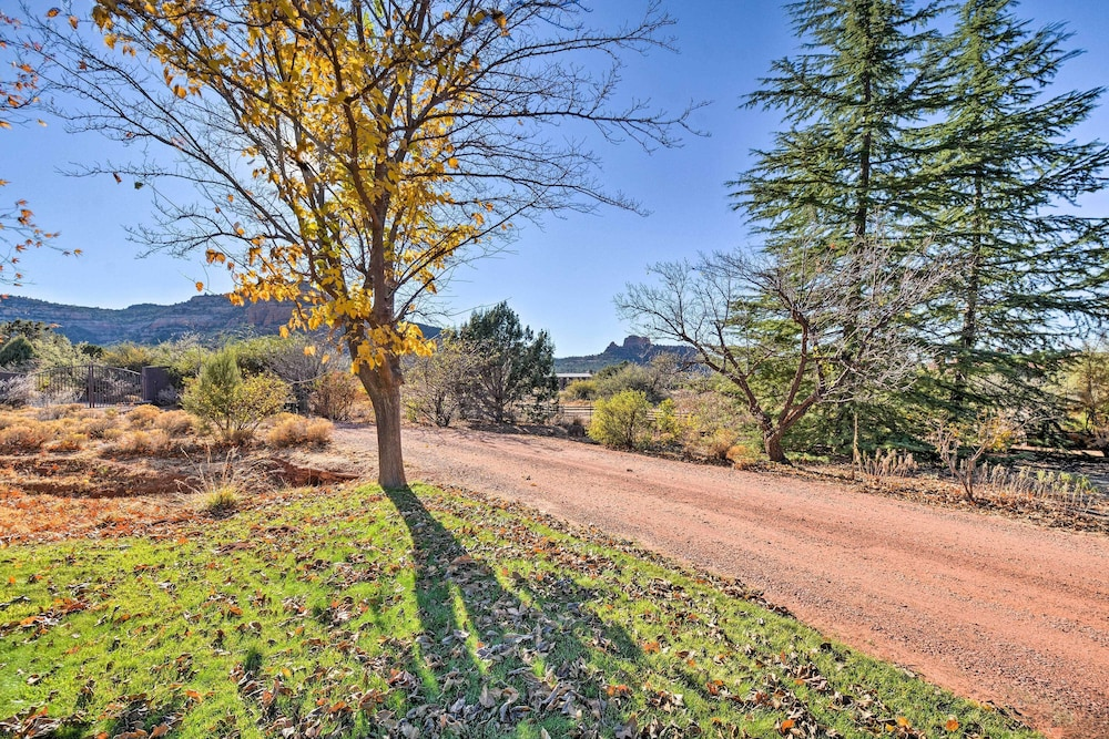 Property Grounds, 2-acre Sedona Casita w/ Deck & Red Rock Views!