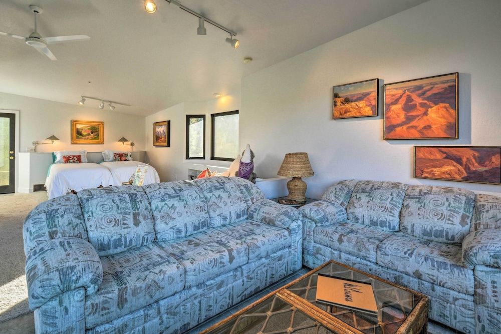 Living Room, 2-acre Sedona Casita w/ Deck & Red Rock Views!