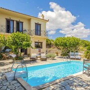 Villa Raches: Large Private Pool, Sea Views, A/c, Wifi