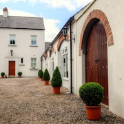 Country Living, Private Garden And Great Location To Tour Ulster