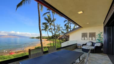 Gorgeous Beach Front Condo - Makena Surf E-202