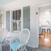 Beachside Tybee Island Cottage