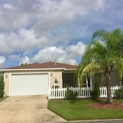 Beautiful 2 Bdrm, 2 Bath Villa Close to Lake Sumter Landing! Wifi Included!