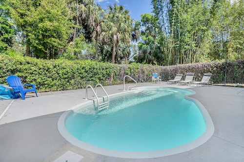 Great Place to stay 4br, 2BA Airy Duplex & Heated Pool - Surrounded by America's Best Beaches near Tarpon Springs