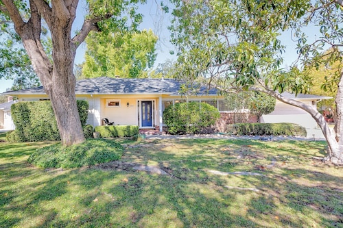Great Place to stay Updated & Sunny Sonoma 1950's Ranch 2br,2ba Near Santa Rosa and Wineries near Santa Rosa