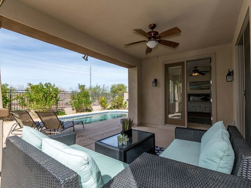 Splash Around IN OUR Pool With Super July-september Savings Call Today FOR Best Deals! Special 30 DAY Rates! Contact US FOR Best Deals! Desert Oasis in Gilbert Location With Private Pool Flat Screen t