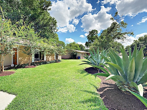 Great Place to stay Newly Remodeled 3BR in Quiet South Austin w/ Hot Tub & Patio near Austin