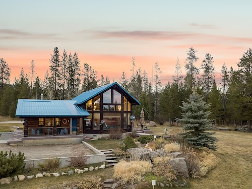 Kabino: Incredible Log Cabin! Easy Access- Fish- Snowmobile- Yellowstone- Free Wifi!