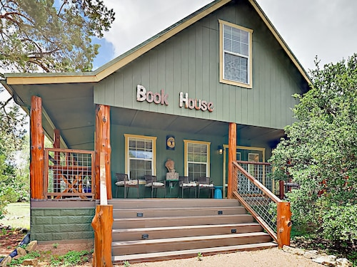 Great Place to stay Unique 5BR w/ Forest Views on 8 Acres 15-minute Drive to Downtown Austin near Austin