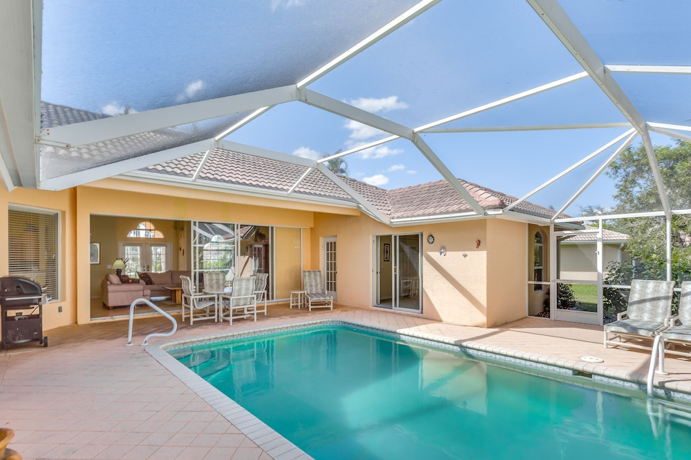 Merveilleux Bright Family Home W/ Private Pool, Patio, Shared Tennis, And More 0.0 Out  Of 5.0