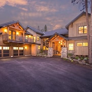 Executive Retreat - Hot Tub, Stunning New Home on Acreage