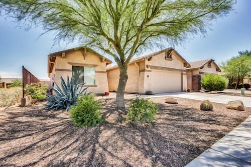 Check Expedia for Availability of Golden Opportunity in Gold Canyon!
