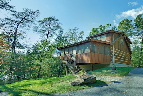 Great Place to stay Smoky Mountain Cabin for Family With Fire pit and hot tub near SEVIERVILLE