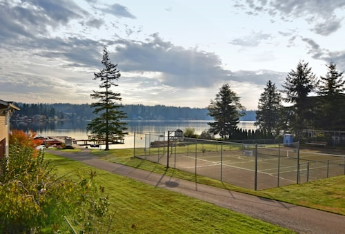 Great Place to stay Lakefront Luxury - on Goodwin Lake, Near Tulalip Casino and Outlet Malls near Stanwood