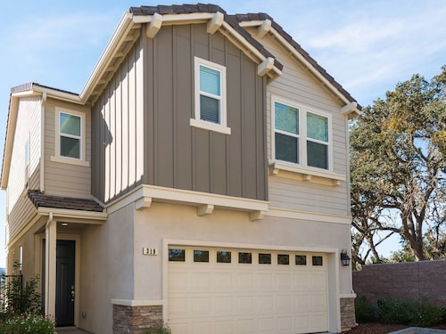 Great Place to stay Brand-new 2BR in the Heart of Wine Country Great Views From Balcony near Paso Robles