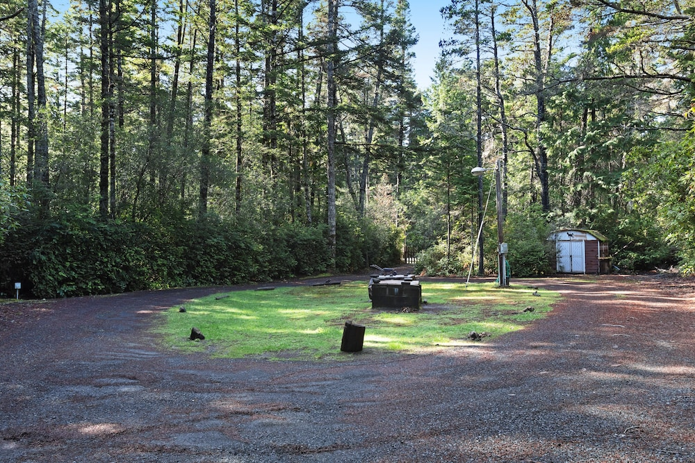 Property Grounds, Updated, Dog-friendly Cabin in a Secluded Area - Minutes From Beach & Town!
