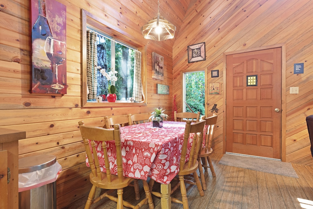 Private Kitchen, Updated, Dog-friendly Cabin in a Secluded Area - Minutes From Beach & Town!