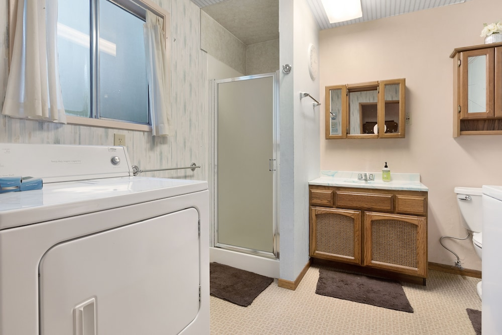 Bathroom, Updated, Dog-friendly Cabin in a Secluded Area - Minutes From Beach & Town!