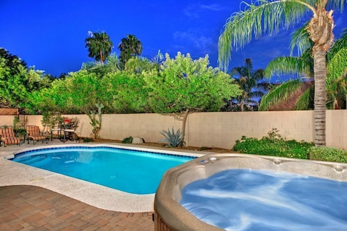 HOT Summer Savings FOR July-september Dates! Contact US FOR Discounts! Best Scottsdale Location! Private Pool, Spa, Free Wifi, Sleeps Large Groups!