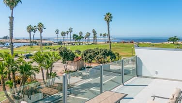 Family-Friendly Home w/ Ocean-View Rooftop Deck - Beach Across the Street