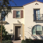 Private Cozy 3 BR Condo in Cypress Village - Near the Airport and Shopping
