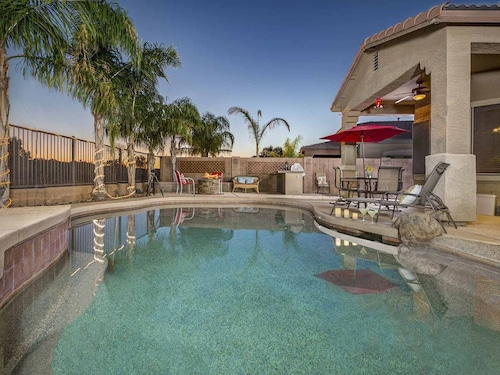 Queen creek hotels from 29 cheap queen creek hotel deals queen creek home has a pool with splash pad fire pit home theater solutioingenieria Images