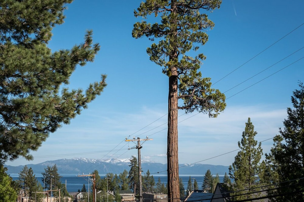 Terrace/Patio, In-town Tahoe City, Lake Views, Walk to Beach and Town - Great Value!