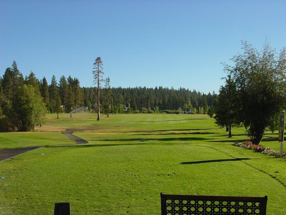 Golf, In-town Tahoe City, Lake Views, Walk to Beach and Town - Great Value!