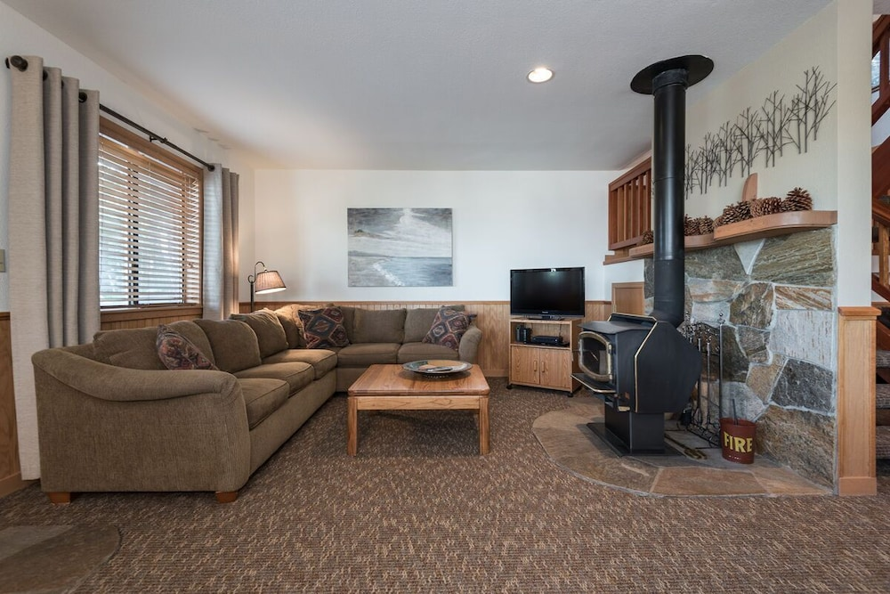 Living Room, In-town Tahoe City, Lake Views, Walk to Beach and Town - Great Value!