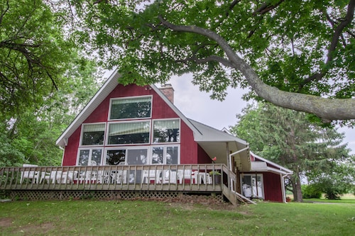 Check Expedia for Availability of Spacious, Classic Lakeside Getaway W/lake Views, Boat Moorage!