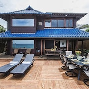 4 Bedroom Beachfront Home on Sunset Beach - Bikes Included!