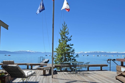 Tahoe Lakefront 1 Bedroom Cabin on a Sandy Beach, Pier and Dog Friendly
