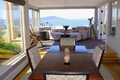 Great Place to stay Unforgettable Views From the Penthouse near San Francisco