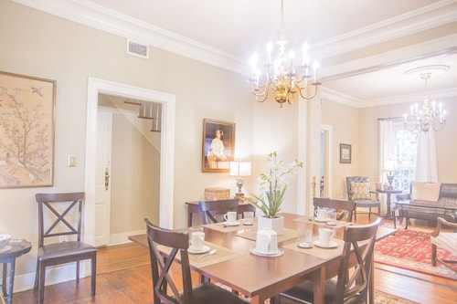 Great Place to stay Stay With Lucky Savannah: Perfect Historic Home for a Family on Vacation near Savannah