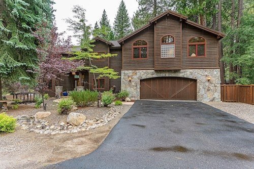 245 Tramway - low Eleveation Home With hot tub