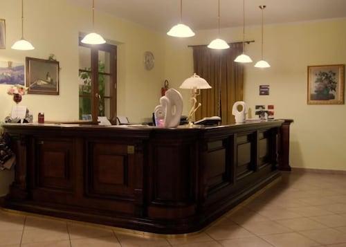 Hotel bagno santo room prices deals reviews expedia
