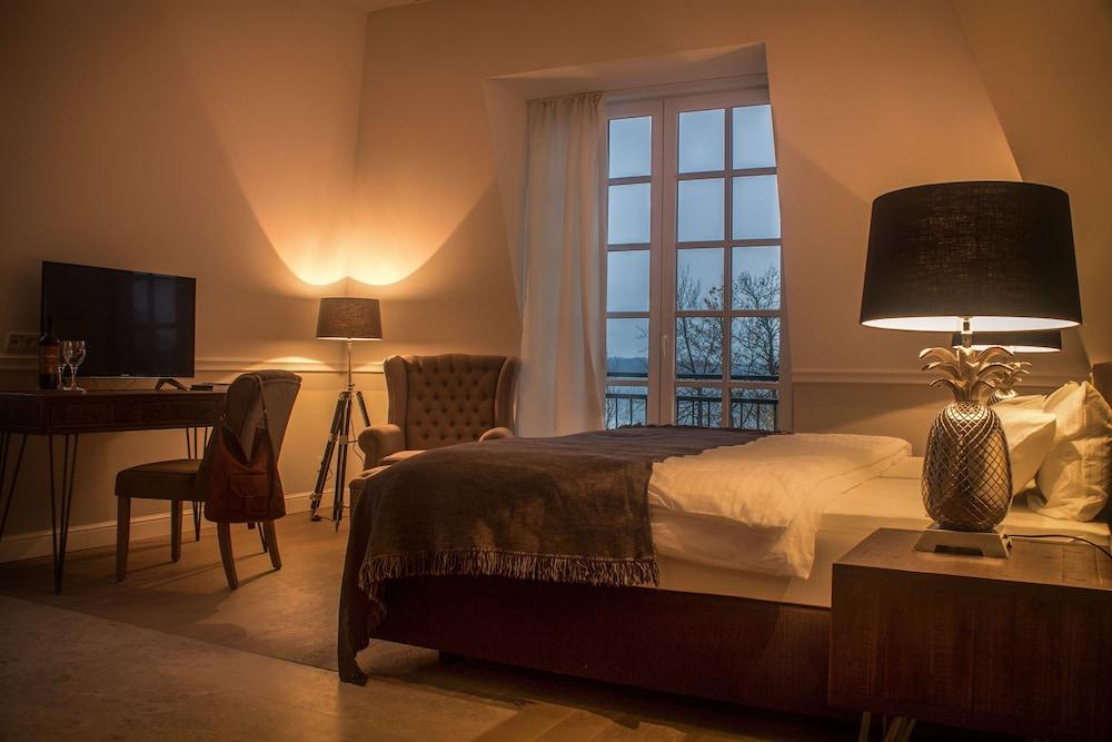 the starnbergsee hideaway seeshaupt hotelbewertungen 2018. Black Bedroom Furniture Sets. Home Design Ideas