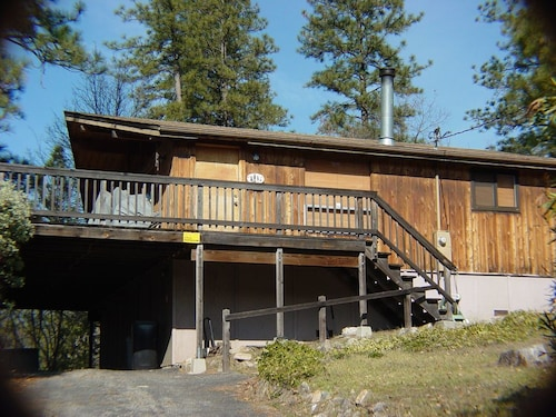 3 Bedroom, 2 Bath Cabin, Sleeps 8 - Between E. Sonora and Twain Harte