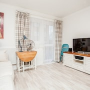 Stunning Spacious South London 1 Bed Apartment with Balcony