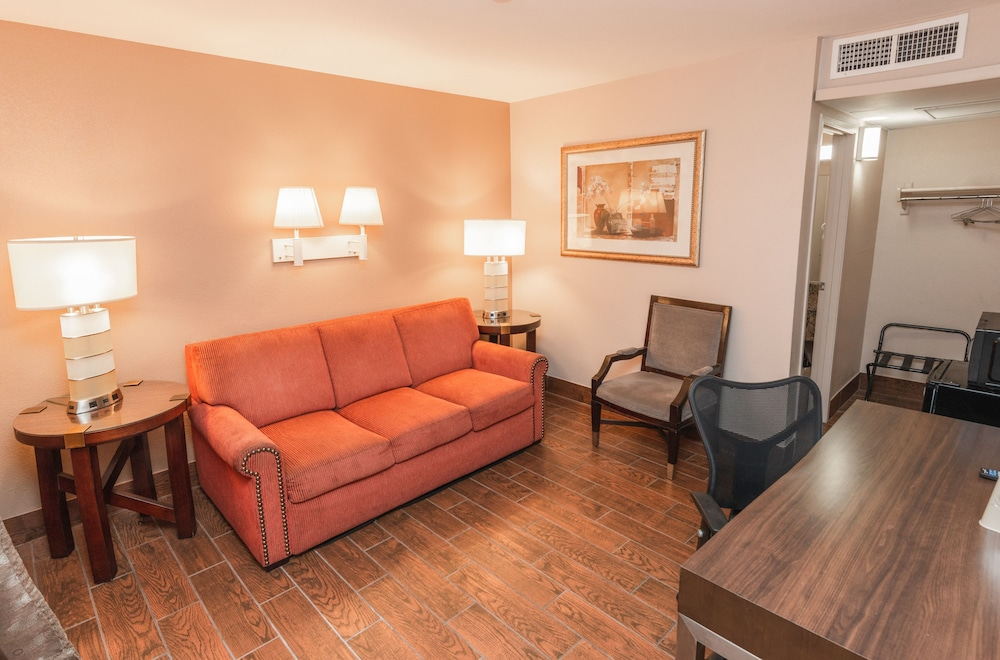 Living Area, Budgetel Inn & Suites Yuma