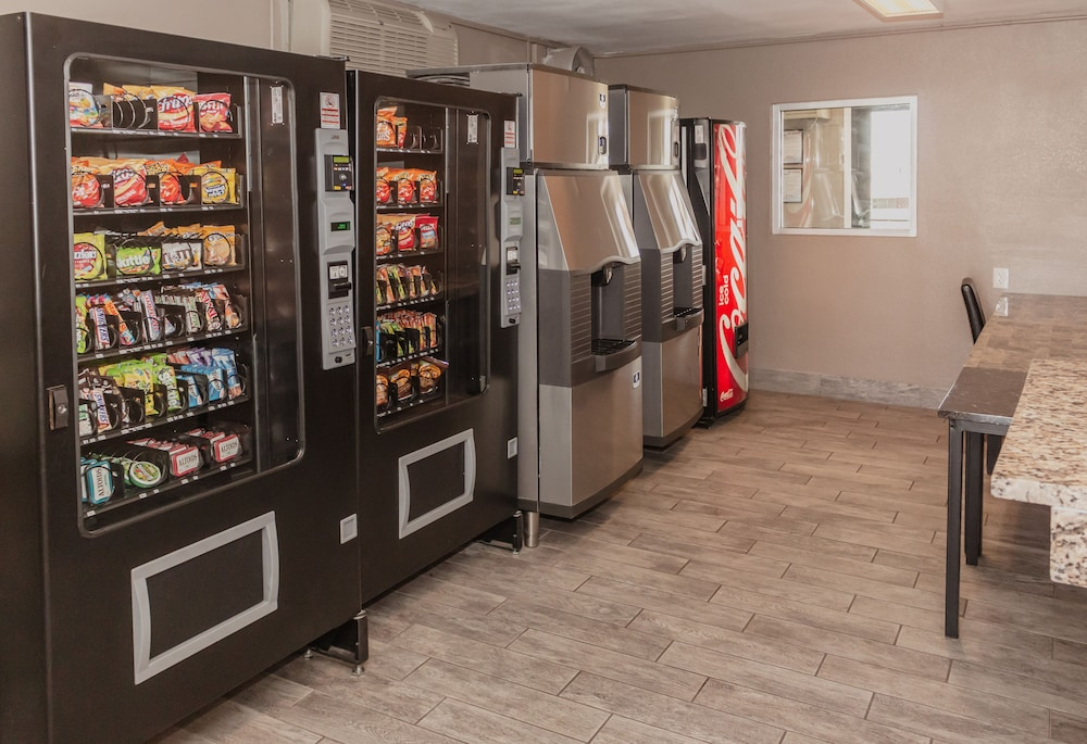 Vending Machine, Budgetel Inn & Suites Yuma