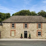 Stone House, With Open Fire in Rathdangan, County Wicklow, Ref 920303