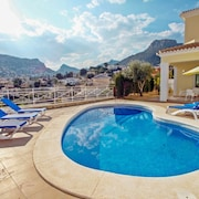 Canuta Mar 14- two Story Holiday Home Villa in Calpe