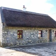 THE Well House, pet Friendly in Kinvara, County Galway, Ref 933690