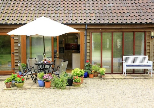 Hawkeswade Barn - One Bedroom House, Sleeps 2